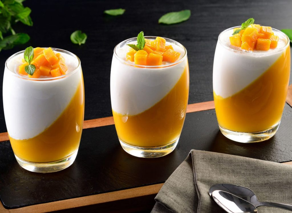 GELATINA LIGHT DE MANGO CON YOGURTH